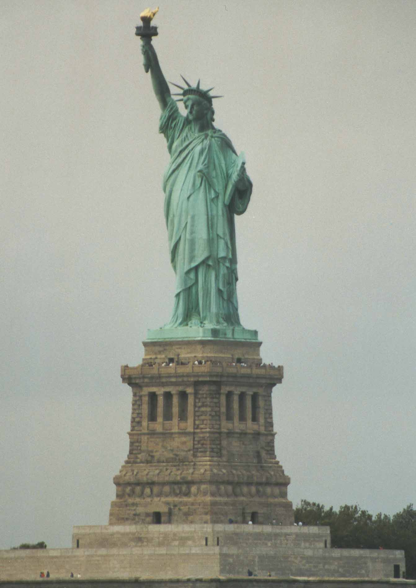 La statue de la libert united states of america for Createur statue de la liberte